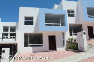 Casa En Rentaen Queretaro, Bugambilias, Mexico, MX RAH: 19-1038