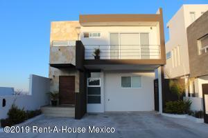 Casa En Ventaen El Marques, Zibata, Mexico, MX RAH: 19-1042