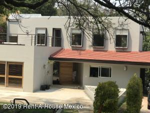 Casa En Rentaen Cuajimalpa, Lomas De Vista Hermosa, Mexico, MX RAH: 19-1074