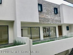 Casa En Ventaen Naucalpan De Juarez, Lomas De Tecamachalco, Mexico, MX RAH: 19-1099