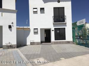 Casa En Ventaen Queretaro, San Isidro Juriquilla, Mexico, MX RAH: 19-1102