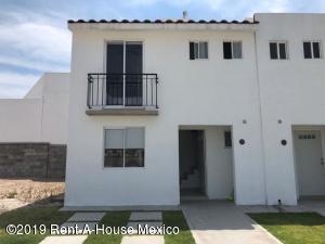 Casa En Ventaen Queretaro, Ciudad Del Sol, Mexico, MX RAH: 19-178