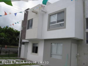 Casa En Ventaen El Marques, Rincones Del Marques, Mexico, MX RAH: 19-1013