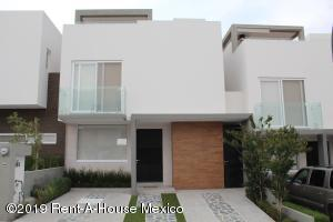 Casa En Rentaen El Marques, Zibata, Mexico, MX RAH: 19-1323