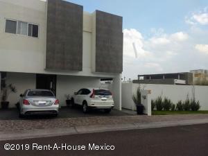 Casa En Rentaen Queretaro, El Refugio, Mexico, MX RAH: 19-1363