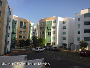 Departamento En Rentaen Huixquilucan, Jesus Del Monte, Mexico, MX RAH: 19-1382