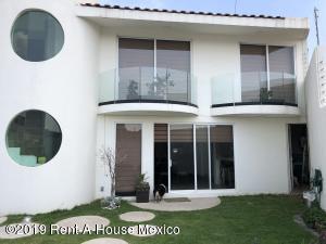 Casa En Rentaen Naucalpan De Juarez, Lomas Verdes, Mexico, MX RAH: 19-1399