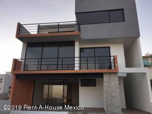 Casa En Rentaen Atizapan De Zaragoza, Lomas De Bellavista, Mexico, MX RAH: 19-1451