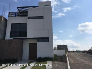 Casa En Ventaen Queretaro, El Mirador, Mexico, MX RAH: 19-1453