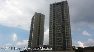 Departamento En Rentaen El Marques, Monte Miranda, Mexico, MX RAH: 19-1576
