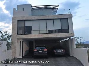 Casa En Rentaen El Marques, Zibata, Mexico, MX RAH: 19-1511