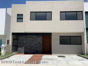 Casa En Ventaen Queretaro, La Vista, Mexico, MX RAH: 19-1529