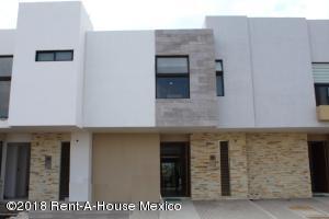 Casa En Rentaen Queretaro, El Refugio, Mexico, MX RAH: 19-1545
