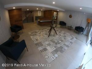 Departamento En Rentaen Cuauhtémoc, San Rafael, Mexico, MX RAH: 19-1582