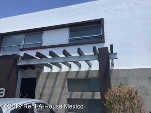 Casa En Rentaen Queretaro, Mision Conca, Mexico, MX RAH: 19-1628