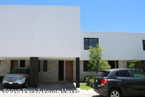Casa En Rentaen Queretaro, El Refugio, Mexico, MX RAH: 19-1663