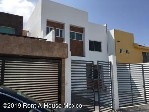 Casa En Rentaen Queretaro, Milenio 3Era Seccion, Mexico, MX RAH: 19-1659