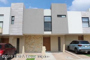 Casa En Rentaen Queretaro, El Refugio, Mexico, MX RAH: 19-1673