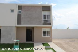 Casa En Rentaen El Marques, Zakia, Mexico, MX RAH: 19-1738