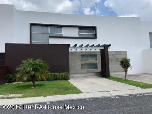 Casa En Rentaen Queretaro, Mision Conca, Mexico, MX RAH: 19-1739