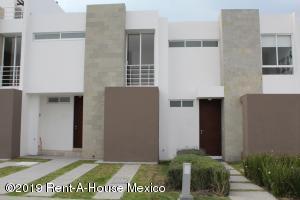 Casa En Rentaen El Marques, Zakia, Mexico, MX RAH: 19-1746
