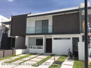 Casa En Ventaen Corregidora, Canadas Del Arroyo, Mexico, MX RAH: 19-1747