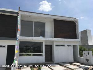 Casa En Ventaen Corregidora, Canadas Del Arroyo, Mexico, MX RAH: 19-1748