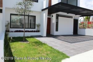 Casa En Ventaen Queretaro, Lomas De Juriquilla, Mexico, MX RAH: 19-1757