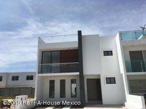 Casa En Ventaen Corregidora, Canadas Del Arroyo, Mexico, MX RAH: 19-1759