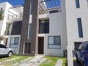 Casa En Rentaen Queretaro, El Mirador, Mexico, MX RAH: 19-1783