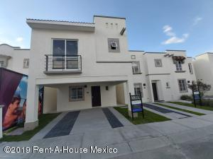 Casa En Ventaen Queretaro, Ciudad Del Sol, Mexico, MX RAH: 19-1795