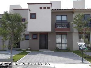 Casa En Ventaen Queretaro, Ciudad Del Sol, Mexico, MX RAH: 19-1802