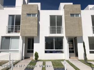 Casa En Ventaen Queretaro, Sonterra, Mexico, MX RAH: 19-1819