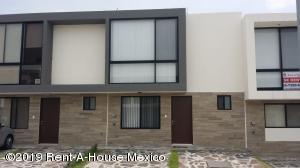 Casa En Rentaen Queretaro, El Refugio, Mexico, MX RAH: 19-1824