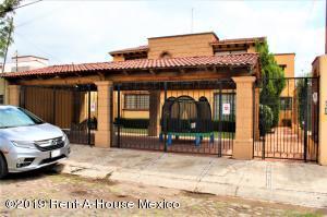 Casa En Ventaen Queretaro, Jurica, Mexico, MX RAH: 19-1838