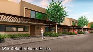 Casa En Ventaen Metepec, Bella Vista, Mexico, MX RAH: 19-1882