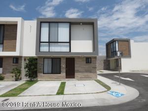Casa En Rentaen Queretaro, El Refugio, Mexico, MX RAH: 19-1929