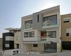 Casa En Ventaen Huixquilucan, Bosque Real, Mexico, MX RAH: 19-1959