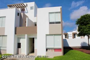 Casa En Ventaen Queretaro, Ciudad Del Sol, Mexico, MX RAH: 19-2008