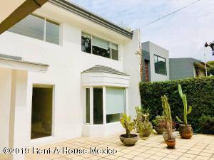 Casa En Rentaen Miguel Hidalgo, Lomas De Bezares, Mexico, MX RAH: 19-2073