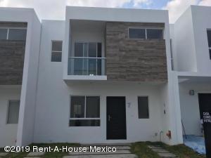 Casa En Ventaen Corregidora, Canadas Del Lago, Mexico, MX RAH: 19-2110