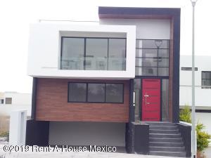 Casa En Rentaen El Marques, Zibata, Mexico, MX RAH: 19-2127