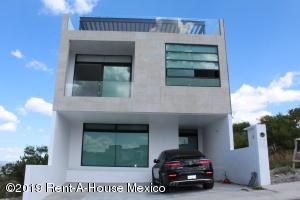 Casa En Rentaen El Marques, Zibata, Mexico, MX RAH: 19-1259