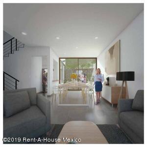 Casa En Ventaen Tlalpan, Fuentes De Tepepan, Mexico, MX RAH: 19-2136