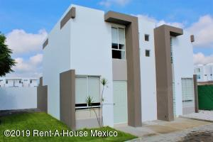 Casa En Ventaen Queretaro, Ciudad Del Sol, Mexico, MX RAH: 19-2183
