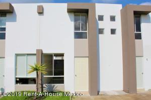 Casa En Ventaen Queretaro, Ciudad Del Sol, Mexico, MX RAH: 19-2184