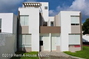 Casa En Ventaen Queretaro, Ciudad Del Sol, Mexico, MX RAH: 19-2187