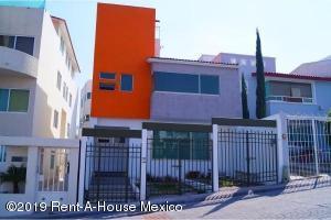 Casa En Rentaen Queretaro, Milenio 3Era Seccion, Mexico, MX RAH: 19-2205