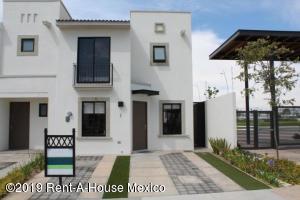 Casa En Rentaen Queretaro, El Mirador, Mexico, MX RAH: 19-2217