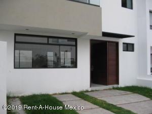 Casa En Ventaen Queretaro, El Mirador, Mexico, MX RAH: 19-2263